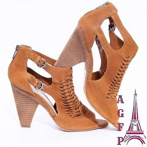 Vince Camuto suede brown sandals, Size 10